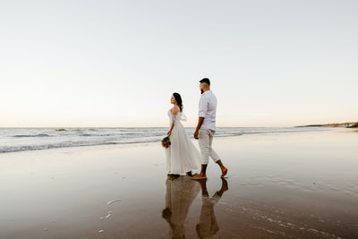 Why a beach wedding can't be as glamorous as it sounds